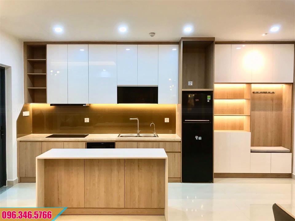 Mẫu tủ bếp MDF Melamine có đảo bếp vân gỗ cánh trắng 112020LD9