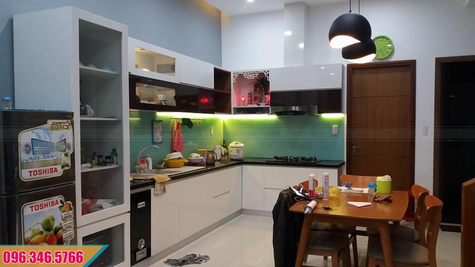 Tủ bếp Acrylic chữ L có bàn thờ ông Táo 372020CDM