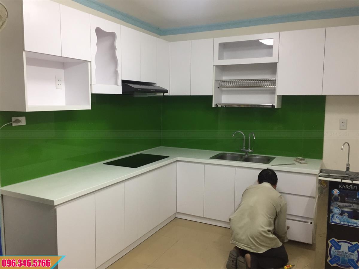 Tủ bếp Melamine có bàn thờ ông Táo màu trắng 432020UY8