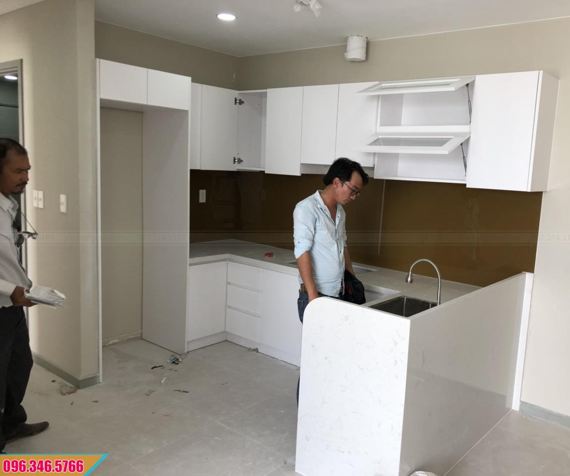Tủ bếp Melamine màu trắng dạng chữ U nhỏ 53202048T