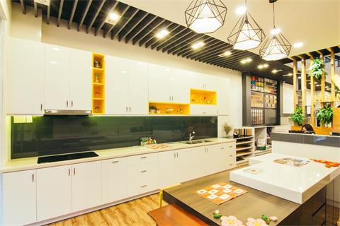 mau-tu-bep-acrylic-mau-trang-sang-hien-dai-052020vah