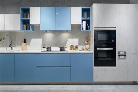 mau-tu-bep-acrylic-mau-xanh-trang-co-tu-kho-222020mcf